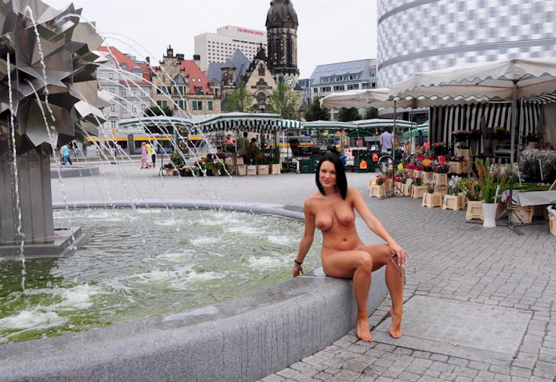 Nude in the city